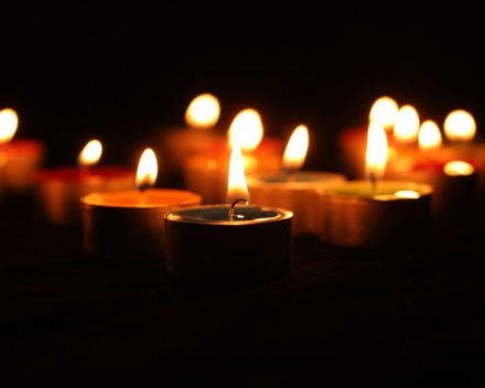 Calm-Candle-Light-Wallpaper